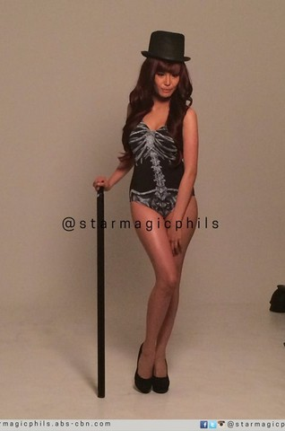 BEHIND-THE-SCENES: Myrtle Sarrosa shows what she's got at the FHM November cover shoot